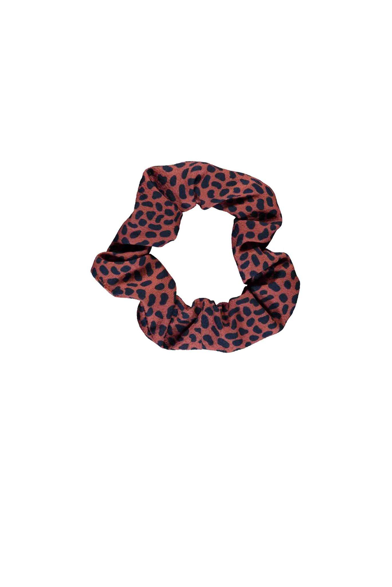 B.Nosy scrunchie